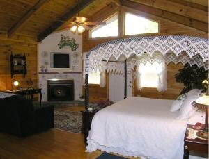 Cabin with Spa Bath