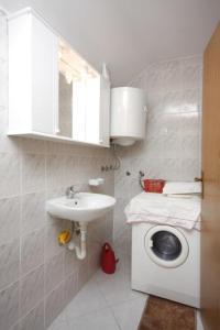 Apartment Vinisce 6117b, Apartmanok  Vinišće - big - 7