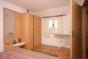 Apartment Vinisce 6117b, Apartmanok  Vinišće - big - 6