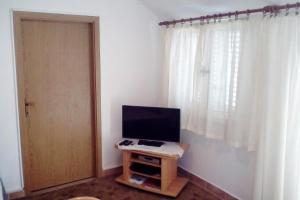 Apartment Vinisce 6117b, Apartmanok  Vinišće - big - 5