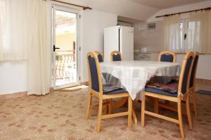 Apartment Vinisce 6117b, Apartmanok  Vinišće - big - 23