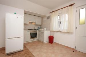 Apartment Vinisce 6117b, Apartmanok  Vinišće - big - 21