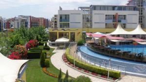Apartment in Elit 3 Apartcomplex, Apartments  Sunny Beach - big - 12