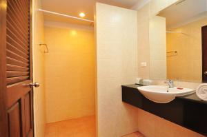 Phuket Sea Resort By Benya, Resorts  Rawai Beach - big - 48