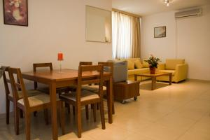 Sunny House Apart Hotel, Apartmanhotelek  Napospart - big - 98