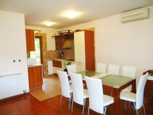 Villa Roses Apartments & Wellness, Apartmanok  Ičići - big - 49