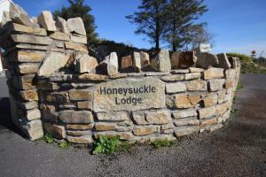Honeysuckle Lodge, Nyaralók  Clifden - big - 34
