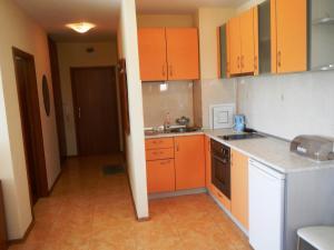 Apartment in Elit 3 Apartcomplex, Apartments  Sunny Beach - big - 4