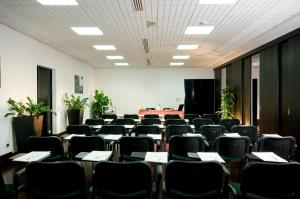 Excel Hotel Roma Ciampino, Hotely  Marino - big - 31