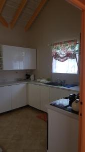 Beautiful Rodney Bay bungalow, Holiday homes  Gros Islet - big - 8