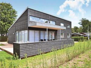 Three-Bedroom Holiday Home in Juelsminde, Prázdninové domy  Sønderby - big - 2