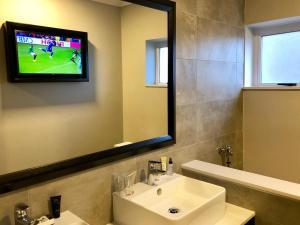 Belaire Suites Hotel, Hotely  Durban - big - 43