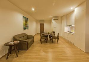 Luxfort 118 Service Suites, Ferienwohnungen  Tanjung Bungah - big - 11