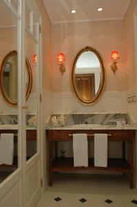 Golden Double Suite