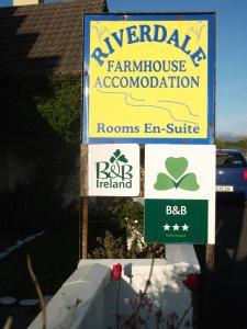 Riverdale Farmhouse, Отели типа «постель и завтрак»  Дулин - big - 21