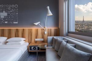 Deluxe King Room - High Floor - Eiffel Tower View
