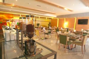 Al Khoory Executive Hotel, Al Wasl, Hotely  Dubaj - big - 19