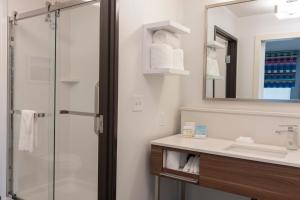Hampton Inn & Suites Xenia Dayton, Hotels  Xenia - big - 4