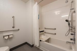 Hampton Inn & Suites Xenia Dayton, Hotels  Xenia - big - 3