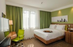 Dvoulůžkový pokoj s manželskou postelí – bezbariérový přístup