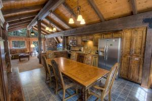 Gambrel Home, Prázdninové domy  South Lake Tahoe - big - 4