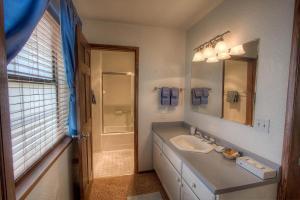 Gambrel Home, Prázdninové domy  South Lake Tahoe - big - 20