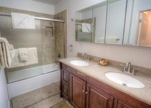 Sunny Mountain Shadow Condo, Appartamenti  Incline Village - big - 7
