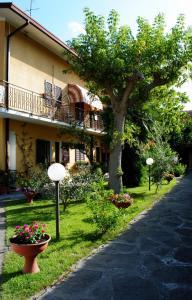 Albergo Villa Lorena, Hotel  Forte dei Marmi - big - 21
