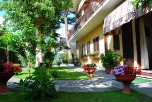 Albergo Villa Lorena, Hotel  Forte dei Marmi - big - 1