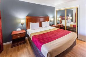 Econo Lodge Inn & Suites, Hotely  South Lake Tahoe - big - 5