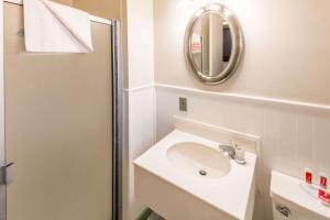 Econo Lodge Inn & Suites, Hotely  South Lake Tahoe - big - 3