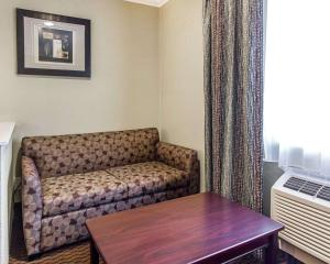 Econo Lodge Inn & Suites Mesa, Hotel  Mesa - big - 16