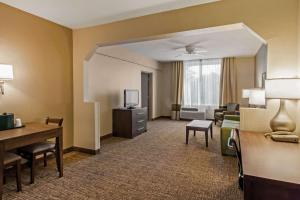 Comfort Suites Maingate East, Hotels  Orlando - big - 28