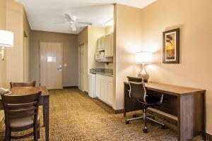 Comfort Suites Maingate East, Hotels  Orlando - big - 21