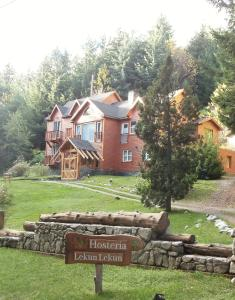 Hosteria Lekun Lekun, Penziony – hostince  Villa La Angostura - big - 64
