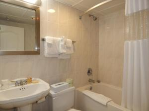 Efficiency room with two double beds, bayview, nonsmoking