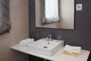 Two-Bedroom Apartment Pau Claris