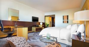 Premium Deluxe, Guest room, 1 King, City view