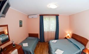 Villa Marjela, Отели типа «постель и завтрак»  Сплит - big - 11