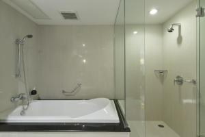 One Bedroom Executive Suite (4 pax)