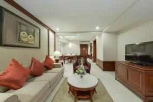 Two Bedroom Executive Family (6 pax)