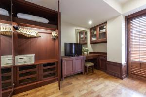 Two Bedroom Executive Family (8 pax)