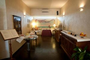 Alle Tamerici Hotel, Hotely  Ladispoli - big - 41