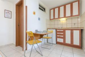 Apartments Rosa, Ferienwohnungen  Kaprije - big - 32