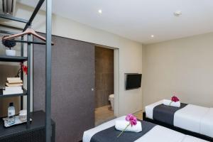 Standard Hollywood Room - No Window