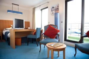 Deluxe Double Room with Balcony and Free Pool Access