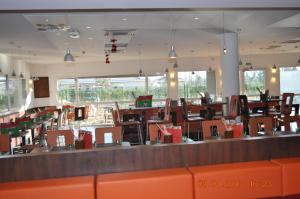 ibis Istres Trigance, Hotely  Istres - big - 44