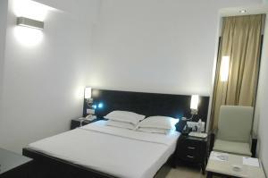 Comfort Inn Sunset, Hotels  Ahmedabad - big - 49