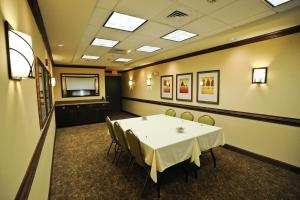 Country Inn & Suites by Radisson, Concord (Kannapolis), NC, Hotely  Concord - big - 17