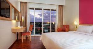 Quest Hotel Semarang, Отели  Семаранг - big - 2